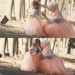 Wholesale Simple Summer Flower Girl Dresses - 2017 Ball Gown Flower Girls Dresses Sequined Tulle Sleeveless Floor Length Mother And Daughter Formal Gowns