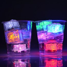 Wholesale Led Ice Cube Multi - LED Ice Cubes Water Sensor Sparkling Luminous Multi Color Glowing Drinkable Event Party Wedding Bar Decoration Atmosphere Prop Wine Cup