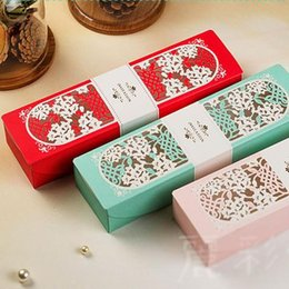 Wholesale Green Invitation Cards - New Laser Cut Butterfly Wedding Invitation Cards 2016 Red Pink Blue Flower Party Invitation Box+Inner Sheet Printing 50pcs