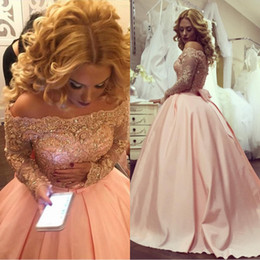 peach sleeve lace dresses Promo Codes - New Peach Blush Long Sleeve Evening Gowns 2017 Middle East Dubai Off-shoulder Lace Beaded Ball Gown Occasion Vintage Prom Dresses