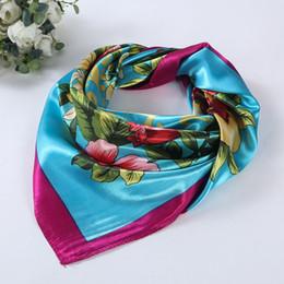 Атласная печатная шаль оптом онлайн-Оптовая продажа-мода элегантные женщины шарф цветочные печатных квадратных шарфы головы обернуть платок шеи 4 цвета 90 * 90 см атласная Шаль#LSN