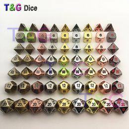 TOP Qualité New Metalic 7 Jeu de dés d4 d6 d6 d8 d10% d12 d20 pour jeux de société Rpg Dados jogos dnd pour homme ? partir de fabricateur