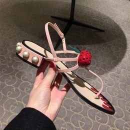 Sandália de tanga sandália de tornozelo on-line-Cheery Leather Thong Gladiador Sandálias Das Mulheres de Salto De Pérolas de Couro Cravejado Flip Flops Pintado Unhas Praia Slides Tira No Tornozelo Sapatos Baixos