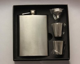 Wholesale Wholesale Boxed Wine - High quality 8oz stainless steel hip flask set with 2pcs cups and 1pcs funnel Portable pocket wine bottle whiskey hip flask with black box