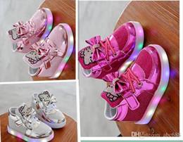 Venda quente de moda 5 cores crianças shoes nova primavera olá kitty strass led shoes crianças meninas princesa sapatos bonitos de