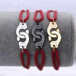 rote armbänder frauen Rabatt Berühmte Marke Schmuck 925 Sterling Silber Rot Seil Handschellen Armband Für Frauen Silber Charme Hochzeit Armband Menottes Einstellbar