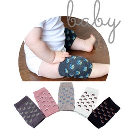 Wholesale Baby Crawling Leggings - 2017 Babies Soft Anti-slip Elbow Cushion Crawling Knee Pad Infant Toddler Baby Safe Baby Adjustable Leggings bebe socks