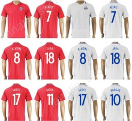 Wholesale copa shirts - 2018 Chile Jersey 2017 Soccer Custom Copa Ameirca 7 SANCHEZ 7 ALEXIS Football Shirt Uniform Kits 17 MEDEL 8 VIDAL 10 VALDIVIA 14 FERNANDEZ