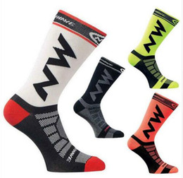 Wholesale Running Bicycle - 2017 High quality Professional brand sport socks Breathable Road Bicycle Socks Outdoor Sports Racing Cycling Sock Footwea