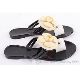 Canada Nouveau Femmes d'été Camélia pantoufles sandales tongs sandales plates pantoufles Europe station avec plat caluas Fashion sandales 246746418 Offre