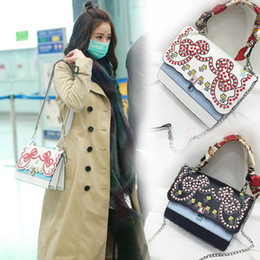 Wholesale Embroidery Cotton Dress For Women - uxury Women Rivet catwalk Handbags Famous Designer flower Crossbody Bags For Women National style embroidery bee Bags 2017