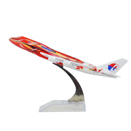 Wholesale Airlines Airplane Model - MALAYSIA AIRLINES SYSTEM BERHAD B747 The Hibiscus 16cm model airplane kits child Birthday gift plane models toys Christmas gift