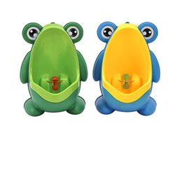Wholesale Toilet Potty Boys - Kids PP Frog Children Stand Vertical Urinal Wall-Mounted Urine Potty Groove Kids Baby Boys Urinal Training Toilet WA2619