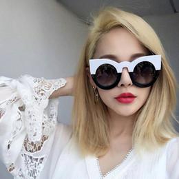 Wholesale Sexy Mixed Big Woman - 2017 fashion sexy round cat eye sunglasses gradient white black big ladies sun glasses for women cat eye luxury oculos YW007