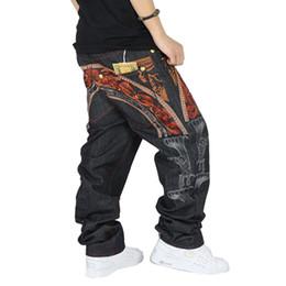 Jeans di ricamo maschile online-I jeans hip-hop degli uomini freddi del ricamo degli uomini allentati del ricamo allentano i pantaloni lunghi denim i jeans hip-hop di modo maschii