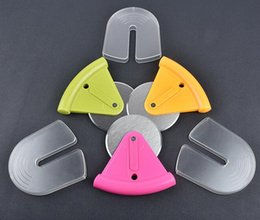 Wholesale pizza plastic - Pizza Wheel Cutter Pastry Knife Pasta Wheel