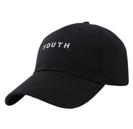2019 juventud negra gorras de camionero Moda Negro Rosa Blanco YOUTH Dad  Sombreros Para Hombres Mujeres 84bc95294ad