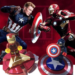 phantasie metalle Rabatt Fidget Spinner Iron Man Hand Finger Spinner Captain America Schild Metall Top Tri-Spinner Spielzeug Marvel Super Heroes Fidget Spinner