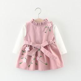 Wholesale Новый дизайн корейский девочки платье дети осень весна D вышитый цветок длинным рукавом платье шт комплект высокое качество