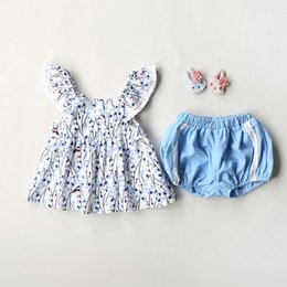 Wholesale Korean Cute Tops - baby clothing sets newborn Outfits Floral Pirnted Fly Sleeve Tops + Lace Shorts 2pcs Suits Korean Cute Girls Casual Sets C920