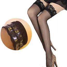 Canada Vente en gros- 2016 nouvelles femmes dentelle sexy haut silicone sangle anti-dérapant cuisse discothèque haute bas WG81 cheap straps stockings Offre