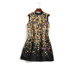 Wholesale Embroidery Baroque - The new Europe and the United States women's 2017 spring Baroque nail bead sleeveless jacquard restoring ancient ways dress