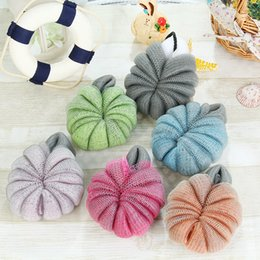 Wholesale ball bath rubbing - 1 9rh Practical Blistering Bath Flower Ball Double Color Loofah Brushes Sponges Scrubbers Bathe Rubs Body Cleaning Supplies Soft R