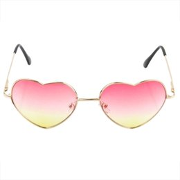 Wholesale Pink Heart Shaped Sunglasses - Wholesale- Gradient Colored Sunglasses Cute Heart-Shaped Glasses(color, Pink)