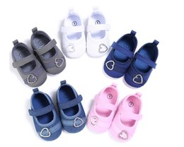 Wholesale Cheap Newborn Girl Shoes - 2017 Heart-shaped button children shoes, princess 0-18 M soft baby shoes,cheap newborn walking shoes,autumn girls shoes.12pairs 24pcs.SX