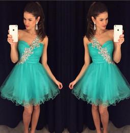 Vestidos De Fiesta Cortos De Fiesta Color Turquesa Vestido De Regreso A Casa Una Línea De Un Hombro Tul Sin Espalda Plisados Cuentas Cristales Coral