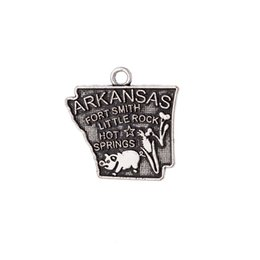 Wholesale Cheap Metal Charms Wholesale - New Design Cheap Antique Silver Plated Metal Arkansas USA State Map Charm Travelling Pendant Jewelry