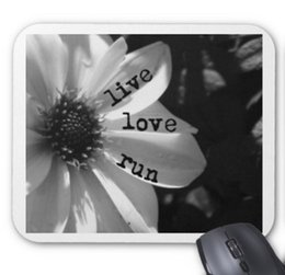 Wholesale Mouse Love - High-quality wholesale factory direct 260 * 210 * 3mm live love run by vetro designs anti-skid rubber mouse pad version
