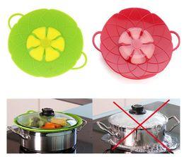Pan multi fonctions en Ligne-Les outils de cuisine de Multi-fonction de cuisine Flower Cookware partie le Silicone vert bouillir au-dessus du couvercle de déversement couvercle sûr de four pour la couverture de pot