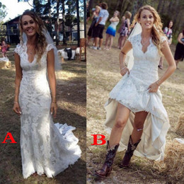 Wholesale Colorful Bohemian Dresses - Cheap Bohemian Country Wedding Dresses 2018 V Neck Short Cap Sleeves Lace Cow Girls High Low Backless Romantic Empire Waist Bridal Gowns