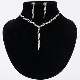 Sistemas de la joyería nupcial de la gota del agua cristalina para las mujeres Pendientes del collar de la plata del color fijan la joyería del Rhinestone desde fabricantes