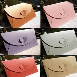 Wholesale Envelope Colour - Western style Mixed Colour Big Vintage Paper Envelope with Heart Shape for Wedding Invitation  Card Packing Decoration