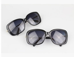 Wholesale Wholesale Sunglasses Italy - 2017 Italy Oversized Plank farmes Sunglasses Women Brand Designer Diamond Big Frame Sun Glasses For Womens Gold Retro Woman Sunnies Shades