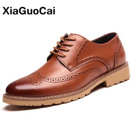 Wholesale Mens Brogues Shoes - XiaGuoCai Autumn Classic Mens Brogue Shoes Luxury British Dress Shoes Business Bullock Leather Shoes High Quality Male Footwear