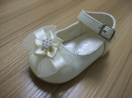 Wholesale Ivory Christening Shoes - baby girls shoes sheepskin white ivory mary jane for wedding baptism gift for new born nonslip sole indoor outdoor christening shoes