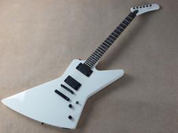 private aktiengitarren Rabatt China Factory Custom Shop Explorer Weiß 9V Active Pickup E-Gitarre Schwarz Hardwares