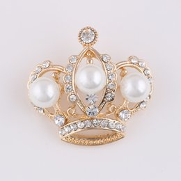 Wholesale Cheap Brooches For Wedding Bouquets - Wholesale- Fashion gold Crown Brooch Flower cheap Brooches For Women Wedding Bouquets Collar Clip Scarf Buckle Hijab Pins 15012906