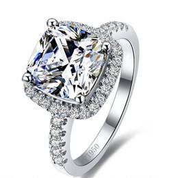almofada, corte, simulado, diamante, anel Desconto Luxo 3 Quilates SONA Simulado Anéis de Noivado de Diamante Anel de Casamento de Corte da Princesa Mulheres Anel de Casamento de Noivado de Diamante Sintético