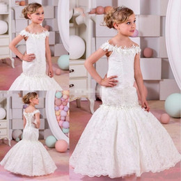 Wholesale Girls Dressess - Vintage 2017 Mermaid Lace White Flower Girls Dressess Off The Shoulders Formal Kids Junior Party Gowns for Weddings Lace-up Back