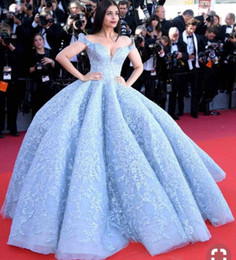 Wholesale Ice Blue Lace Dress - Ice Blue Ball Gown Prom Dresses 2018 Off The Shoulder Lace Appliques Evening Gowns Red Carpet Floor Length Celebrity Party Dress Vestidos