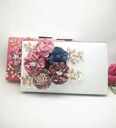 Wholesale Small Envelope Wallet - Pearl Flower Clutch Bags Evening Handbag Classcal Ladies Shoulder bag Simple Purse fashion massager lock wallets