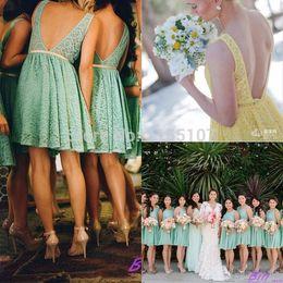 vestidos de dama de honor amarillos cortos Rebajas Sage Green Yellow Short Lace Vestidos de dama de honor Sexy Sin espalda Hasta la rodilla Mint Wedding Invitados Vestidos de fiesta Vestidos de grupos de Maid of Honor 2017