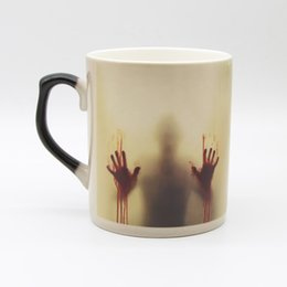 Wholesale China Porcelain Tea Cups - Drop Shipping Bone china Zombie Color Changing Coffee Mug Heat sensitive Tea cup Printing with walking dead bloody hands