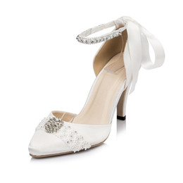 Wholesale Champagne Diamond Bridal Shoes - Hot new 2017 silk satin crystal silver Rhinestone High heels women's Shoe Heel with diamond wedding bridal shoes sandal Bridal Shoes