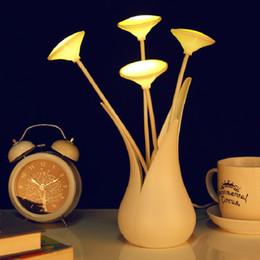 großhandel led licht blume vase Rabatt Großhandel-1 X Kreative Auto Lichtsensor Vase FÜHRTE Nachtlicht USB Tisch Schreibtisch Blume Lampe Für Haus / Schlafzimmer Dekoration Geschenk Licht