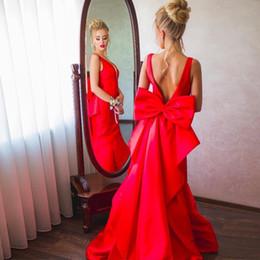 644621bef738 Abiti da sera a sirena in raso rosso Pretty abiti da ballo con scollo a V  profondo con scollo a giro Abiti da sera sirena con sirena viola abbastanza  abiti ...